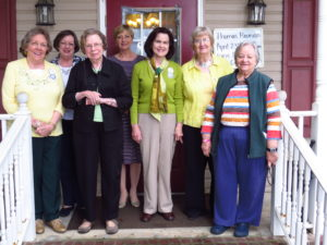 Friends Lydia Fendlason, Ginger Corkern, Mary Jo Poole, Carol Duke, Terry Seal, Judy Rabuffo and Kay Bell